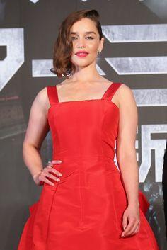Pin for Later: 20 Photos Qui Prouvent Qu'Emilia Clarke Mérite Son Titre de Femme la Plus Sexy du Monde
