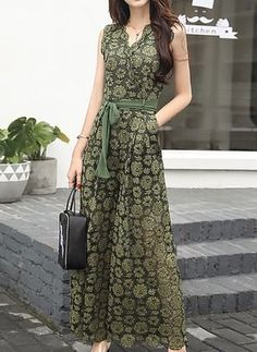 Best 12 64 New Ideas for sport dress outfit skirts – SkillOfKing. Green Dress Outfit, Dress Outfits, Fashion Dresses, Stylish Dresses, Simple Dresses, Casual Dresses, Dress Indian Style, Indian Dresses, Indian Designer Outfits