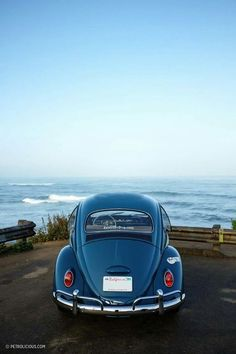 Volkswagen Beetle Could Be The Perfect EV Classic Old dog, new tricks: this VW Bug has twice the power and a 100 mile range.Old dog, new tricks: this VW Bug has twice the power and a 100 mile range. Beach House Style, Van Vw, Vw Cabrio, Kdf Wagen, Old Vintage Cars, Car Volkswagen, Cute Cars, Audi Tt, Old Dogs
