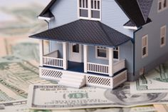 Looking to trim your utility bills?  Its easy with a few simple steps! Once you cut your energy and water consumption, your bills will be reduced.  Its a simple equation: save energy and save money.    Here are the top 10 ways to save energy at home