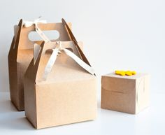 Self Packaging Boxes Review and Giveaway • CakeJournal.com