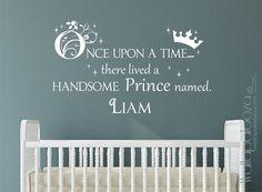 Príncipe etiqueta - una vez la etiqueta de la pared - chicos nombre personalizada etiqueta de la pared - chicos Príncipe pared etiqueta - etiqueta de la pared de corona - boy vivero calcomanía