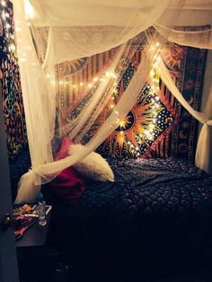 57 The Upside To Boho Schlafzimmer Dekor Hippie Bohemian Style Gypsy Beds 11 ap… - Hipster Home Decor Boho Bedroom Diy, Hippy Bedroom, Room Ideas Bedroom, Bedroom Designs, 70s Bedroom, Gothic Bedroom, Teen Bedroom, Modern Bedroom, Bedroom Furniture