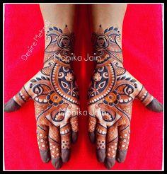 #designermehndi #creativedesign #fancymehndi #mehndi #heenadesign #latestdesign #mehndiart #mehndidesign #weddingmehndi #floralmehndi #flowermehndi #traditionalmehndi #heena #mehndiartist #indiandesigner #latestheena #quickcreation Arabian Mehndi Design, Arabic Bridal Mehndi Designs, Khafif Mehndi Design, Floral Henna Designs, Engagement Mehndi Designs, Indian Mehndi Designs, Mehndi Designs 2018, Mehndi Design Pictures, Modern Mehndi Designs