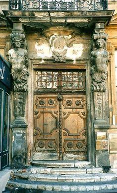 Grand Entrance, Entrance Doors, Doorway, Knobs And Knockers, Door Knobs, Door Handles, Cool Doors, Unique Doors, Aix En Provence