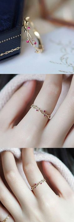 Petite vine ring , Dainty Vines Ring , Beautiful Rings Source by Cutiegiftsstore Cute Jewelry, Jewelry Gifts, Gold Jewelry, Jewelry Accessories, Jewelry Design, Jewellery, Silver Bracelets, Gold Necklace, Cute Rings