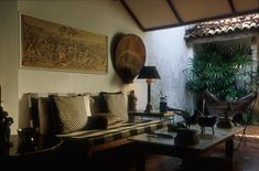 Image 26 of 58 from gallery of Remembering Bawa. Sitting Area in at the Lane - Bawa Residence. House Design, Gallery, Courtyards, Modernism, Furniture, Tropical, Interiors, Island, Google Search