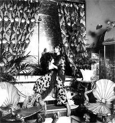 Talitha Getty Photo by Elisabetta Catalano 1968 1960s Fashion, Timeless Fashion, Vintage Fashion, Hippie Chic, Boho Chic, Talitha Getty, Vogue Home, Elizabethan Era, Galleries In London