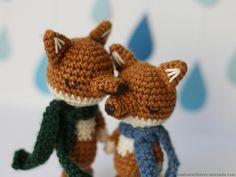 crocheted fox couple by lisoe, via Flickr