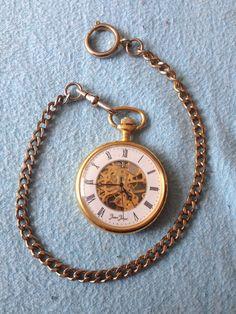"""Stuffle Das Mal: """"Verkaufe hier eine Taschenuhr von Jean Jacot. Sie brauch keine Batterie sondern läuft indem man Sie aufzieht."""""""