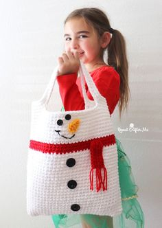 Crochet Christmas Tote Bags (Santa and Snowman) - Repeat Crafter Me Crochet Shell Stitch, Single Crochet Stitch, Crochet Stitches, Love Crochet, Crochet Hooks, Knit Crochet, Crochet Bags, Loom Knitting Projects, Crochet Projects