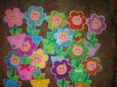 http://artesanatobrasil.net/lembrancinha-dia-das-maes-em-eva-passo-a-passo/ - Moldes de florzinhas de EVA