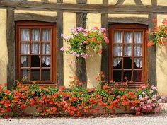 Little Emma English Home: Doors, windows, facades, etc..