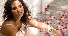 Mayra Andrade em concerto no Palácio da Galeria em Tavira!   Algarlife