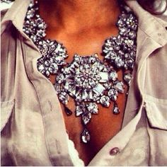 How to Chic: CRYSTAL NECKLACE