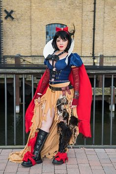 Steampunk Snow White Photographed by Rob Shofield. Designed by Tess Fowler. Catwoman Cosplay, Cosplay Gatúbela, Cosplay Anime, Steampunk Cosplay, Cosplay Dress, Best Cosplay, Steampunk Fashion, Cosplay Girls, Awesome Cosplay
