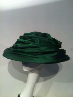 fabulous emerald silk swirled hat Icing, Emerald, Hat, Silk, Chip Hat, Emeralds, Hats, Hipster Hat, Silk Sarees