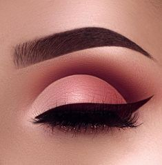 ~~Go to the webpage to learn more about prom eye makeup. Check the webpage to fi… - Prom Makeup Looks Prom Eye Makeup, Makeup Eye Looks, Eye Makeup Tips, Smokey Eye Makeup, Eyeshadow Looks, Eyeshadow Makeup, Beauty Makeup, Eyeshadows, Smoky Eye