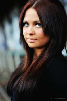 My look a like. If she looks good with a nose piercing I will too!
