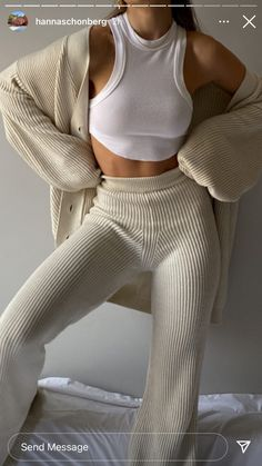 Chill Outfits, Mode Outfits, Spring Outfits, Winter Outfits, Fashion Outfits, Womens Fashion, Simple Outfits, Stylish Outfits, Mode Dope