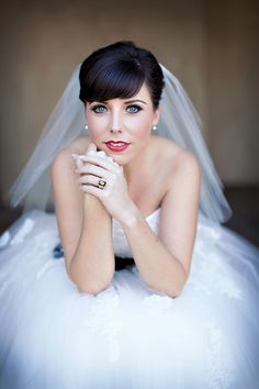 Beautiful bride photo by Ashleigh Taylor Photography | via junebugweddings.com