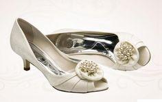 A escolha do sapato muitas vezes se tornadifícil, pois, existem muitos…