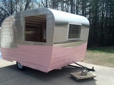 See, you're just like me– you see a picture of a vintage trailer and you click on it! And that pretty much sums up how I ended up on my latest internet treasu