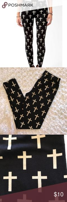 "Black cross leggings Black leggings with cream cross super soft and comfy gently used without flaws.                                                                 Waist 11"".                                                                                    Rise 8"".                                                                                       Inseam 27"" Forever 21 Pants Leggings"