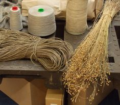 Linen thread made from flax Handmade Crafts, Diy Crafts, Handmade Headbands, Handmade Rugs, Classic Elite Yarns, Flax Plant, Linens And More, Plant Fibres, Spinning Yarn