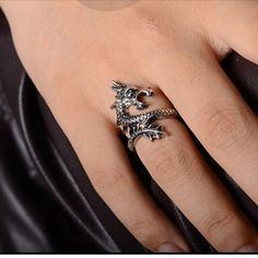 New Arrival Charms Punk Fashion Exaggerated Rings for Men and Women Vintage Retro Dragon Ring Jewelry. Color:Bronze&Sliver Metal:Alloy Style:Charm Ring Size:Common Brand:Brand Quantity:1 Piece Diamete