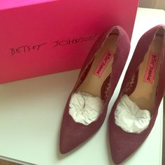 ♥️Betsey Johnson Aavery Oxblood Pump Betsey Johnson Suede Aavery pump in *rare* ox blood color with scalloped detail and interior leopard print. Classic pump with Betsey Johnson details. With original shoe box and wrapping. Never been worn! No longer available in stores! Free shipping on Ⓜ️erc Betsey Johnson Shoes Heels