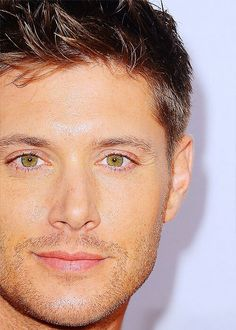 Jensen Ackles @Ashley Walters McGraw Look at those eyes!! Be still my heart!!