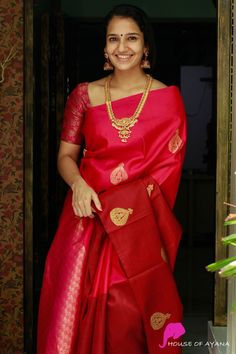 Wedding Saree Blouse Designs, Pattu Saree Blouse Designs, Half Saree Designs, Blouse Designs Silk, Blouse Patterns, South Indian Bride Saree, Indian Bridal Sarees, Indian Silk Sarees, Pattu Sarees Wedding