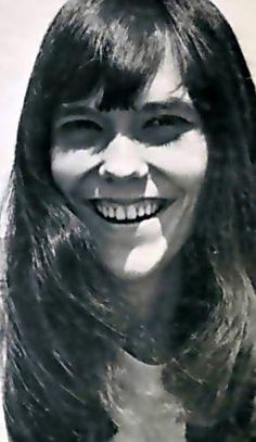 Pictures in Honor of Karen Carpenter. Richard Carpenter, Karen Carpenter, Woodworking Guide, Custom Woodworking, Old Singers, Female Singers, Karen Richards, Angels In Heaven, Detailed Drawings
