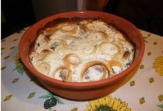 Hagymás-tejfölös sült csülök római tálban Street Food, Cheeseburger Chowder, Hummus, Mashed Potatoes, Macaroni And Cheese, Crockpot, Slow Cooker, Food And Drink, Pork