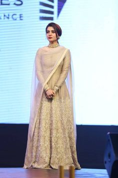Samantha Stills At Telugu Movie Pre Release Event - Actress Doodles Beautiful Pakistani Dresses, Indian Dresses, Indian Wedding Outfits, Indian Outfits, Bride Reception Dresses, Indian Designer Suits, Anarkali Dress, Party Wear Dresses, Indian Attire