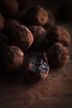 Date & Cocoa Raw Truffles