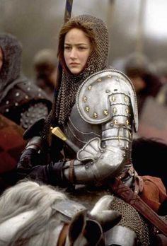 Jeanne d'Arc (Leelee Sobieski) TV Movie: Joan of Arc Warrior Queen, Warrior Girl, Warrior Princess, Warrior Pose, Female Armor, Female Knight, Medieval Armor, Medieval Fantasy, Fantasy Characters