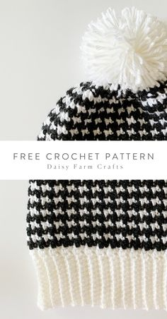 Free Pattern - Crochet Houndstooth Hat I still look at the black and white griddle stitch and am amazed that simply changing colors every row can… Bonnet Crochet, Crochet Beanie Pattern, Knit Or Crochet, Cute Crochet, Crochet Scarves, Crochet Crafts, Crochet Stitches, Crochet Patterns, Double Crochet