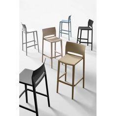 Bakhita je ideální židle do baru, především díky snadné údržbě.