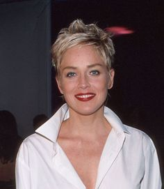 Best Celebrity Hairstyles of All Time Short Choppy Hair, Short Hair With Layers, Short Hair Cuts, Sharon Stone Short Hair, Sharon Stone Hairstyles, Cool Short Hairstyles, Cute Short Haircuts, Celebrity Hairstyles, Teen Hairstyles