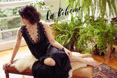 Hoje compartilho mais um lançamento de uma co-criação que desenvolvi. Yay! Desta vez me uni a Oh Lord Intimates para coleção cápsula de loungewear com peças vintage reeditadas.São 5 modelos inspirados no nightwear dos anos 20 e 30 – babydoll, camisola curta, camisola longa, romper e kimono – todas 100%seda e renda, acompanhando a tendência slipdress e pijamas deluxe. Sou fã de peças vintage e tenho algumas camisolas antigas que uso no dia a dia. Queria criar modelos exclusivos que não…