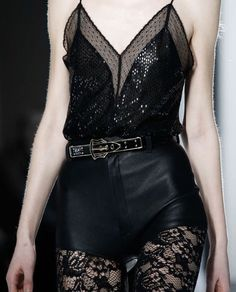 SS 2016 - that belt😍 Dark Fashion, High Fashion, Fashion Show, Style Outfits, Cool Outfits, Looks Style, My Style, Yennefer Of Vengerberg, Do It Yourself Fashion