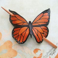 leather butterfly leather butterfly - Station Of Colored Hairs Leather Carving, Leather Art, Leather Tooling, Leather Jewelry, Leather Accessories, Hair Accessories, Leather Workshop, Leather Flowers, Leather Pattern