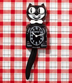 Kit Kat ClockThe Kit Kat Clock has been a source of delight since the with its rolling eyes, wagging tail and infectious smile. A retro fixture for your modern abode! Kitsch, Vintage Love, Retro Vintage, Kit Kat Clock, Film Cars, Cat Clock, Clock Shop, Retro Clock, Felix The Cats