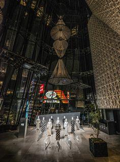 TOKYU PLAZA GINZA KIRIKO LOUNGE, Tokyo Japan Places To Visit, Tsukiji, Japanese Kimono, It's Easy, Interior Architecture, Mall, Tokyo, Commercial, Lounge
