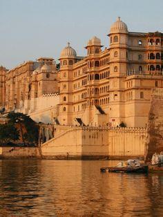 #Rajasthan: #Udaipur, la città dei laghi