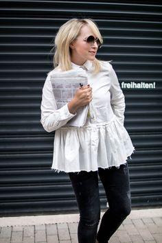 Straight Look. Das beste Accessoire einer weißen Bluse: Plissee. Mehr auf zukkermaedchen.de