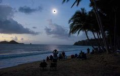 Eclipse total de sol. Playa de Ellis de Queensland (Australia). Noviembre 2012. Efe.