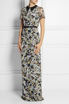 Erdem's sophisticated gown is cut from a lightweight silk-crepe for a slim fit. Punctuated with a contrasting black lace collar, this floor-...